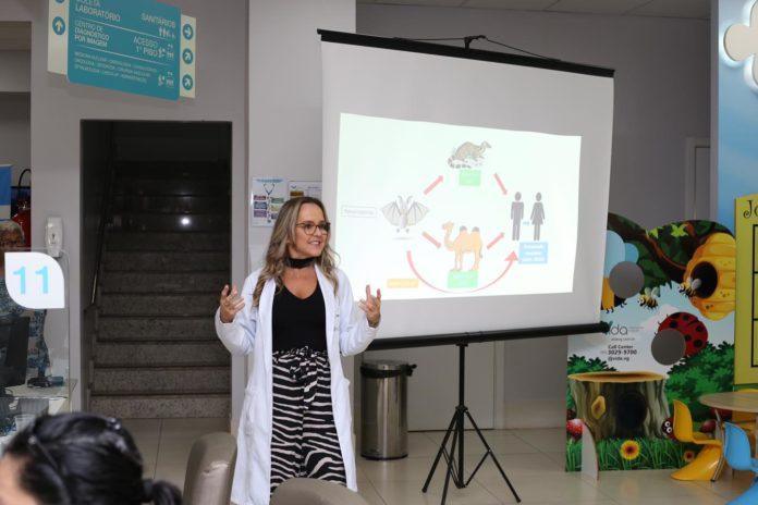 Dra.-Natasha-Slhessrenko-faz-palestra-sobre-coronavírus-Foto-Priscila-Russo.jpg